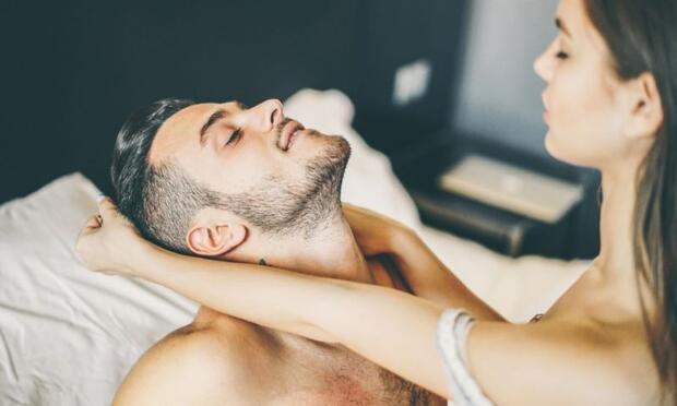 spermleri elle vajinaya sokmak